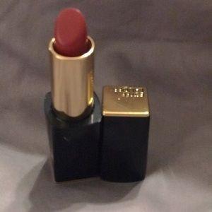 Estée Lauder Pure color in the lipstick